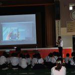地元小学生に「職業人による講話」キャリア教育講演会を開催